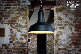 Industrial-style light fittings are all the rage