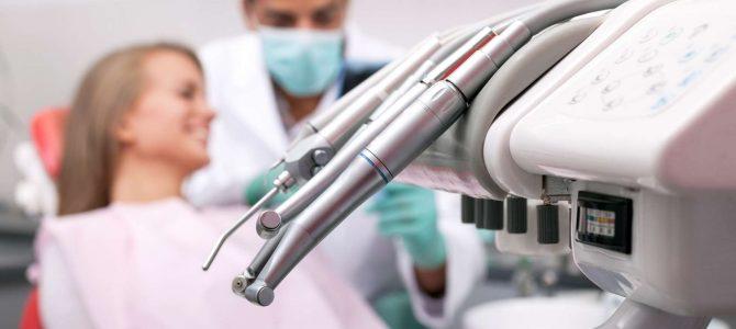 Pour trouver un dentiste près de chez vous, visitez un annuaire dédié en ligne