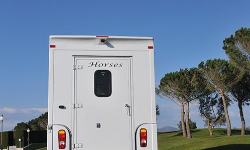 Para el transporte de sus caballos: carrosserie-ameline.com/es.