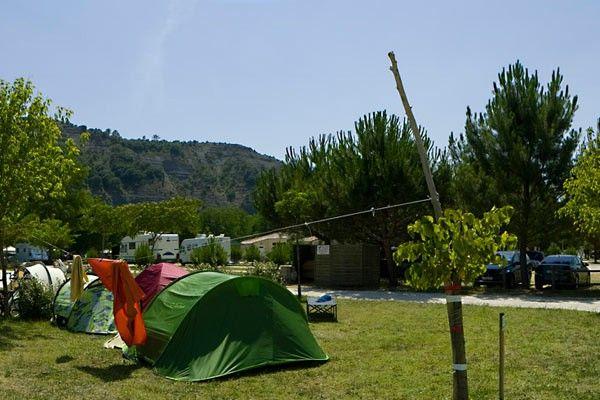 Choisissez votre emplacement tente à Ruoms, en Ardèche