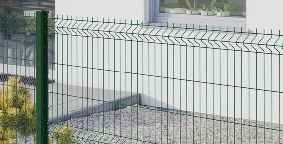 Le grillage rigide de couleur verte pour votre clôture